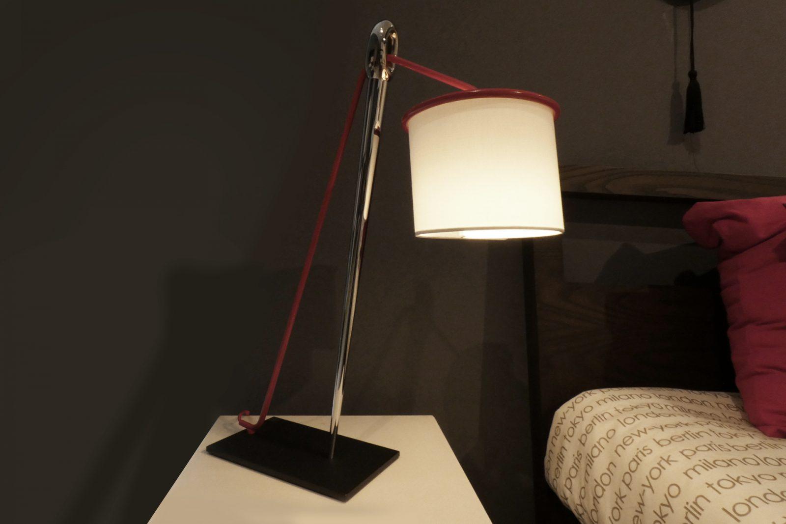 Lampada Da Tavolo Design.Lampada Da Tavolo Design