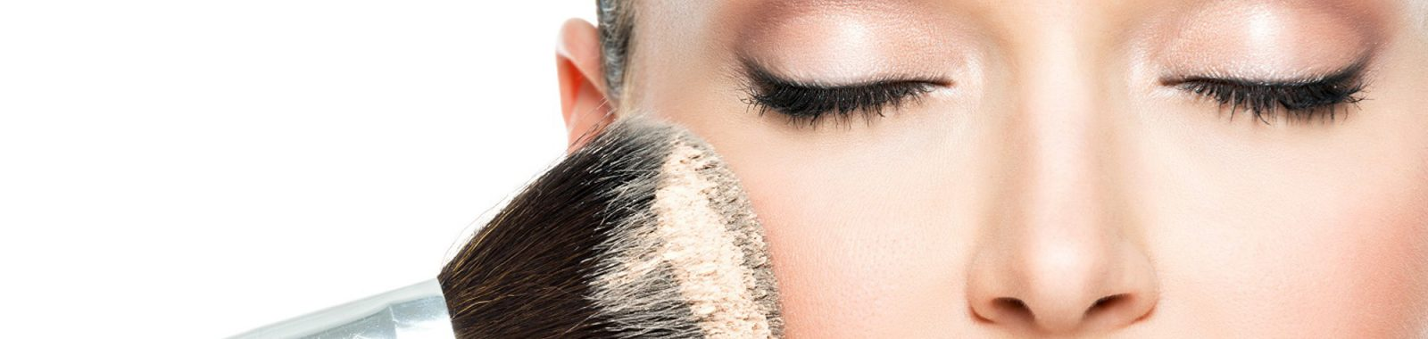 Come sistemare i trucchi: I 5 segreti per un make up impeccabile
